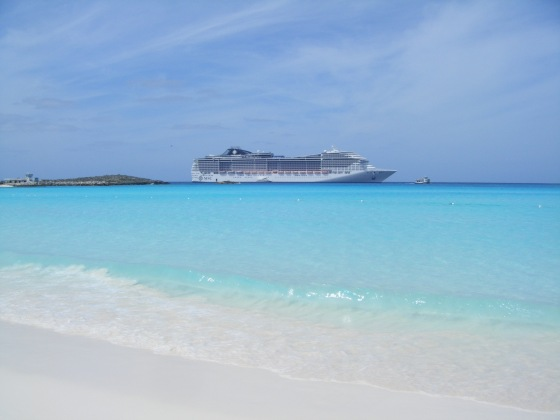 2014 MOR Cruise ship MSC Divina from Coco Cay